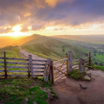 Buxton, Bakewell and the Derbyshire Peaks
